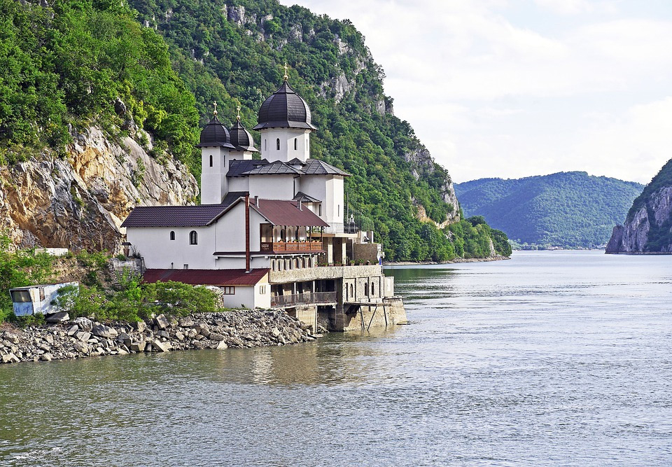 River Cruise Packages Come in Many Shapes and Sizes