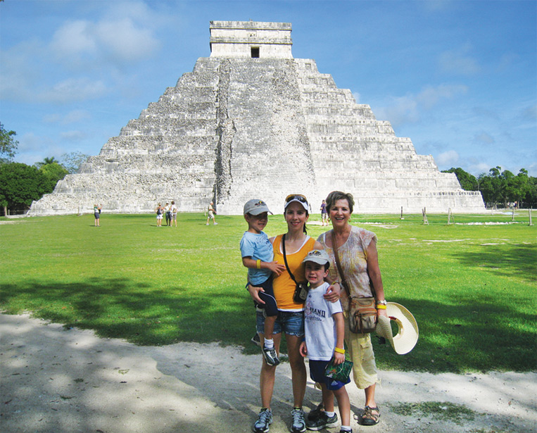 mayanworld_linfamilypicture