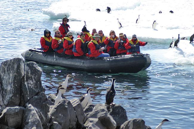 Tauck_Antarctica_ZodiacViewing