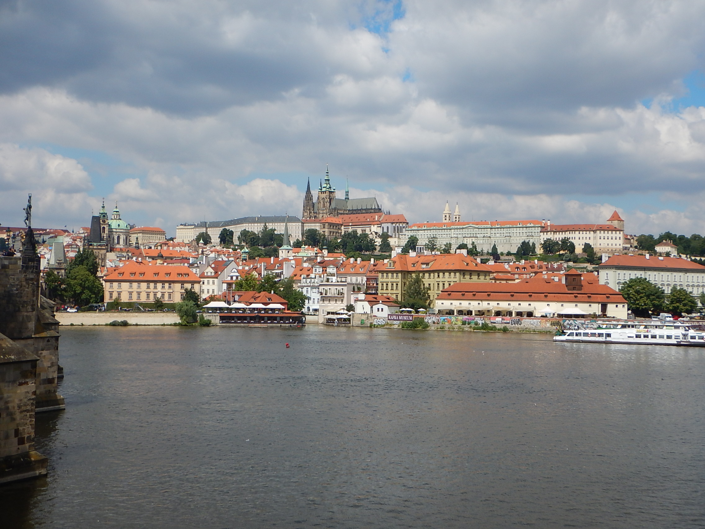Review Adventures Disney - Central Europe (Czech Republic, Austria and Germany)