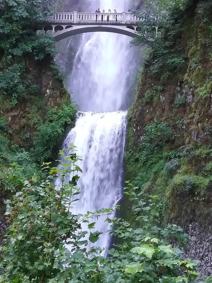 Northwest Trafalgar - Multnomah Falls