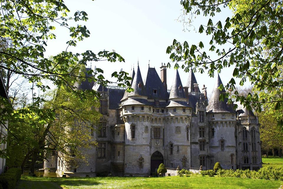 Why Globus - château de vigny
