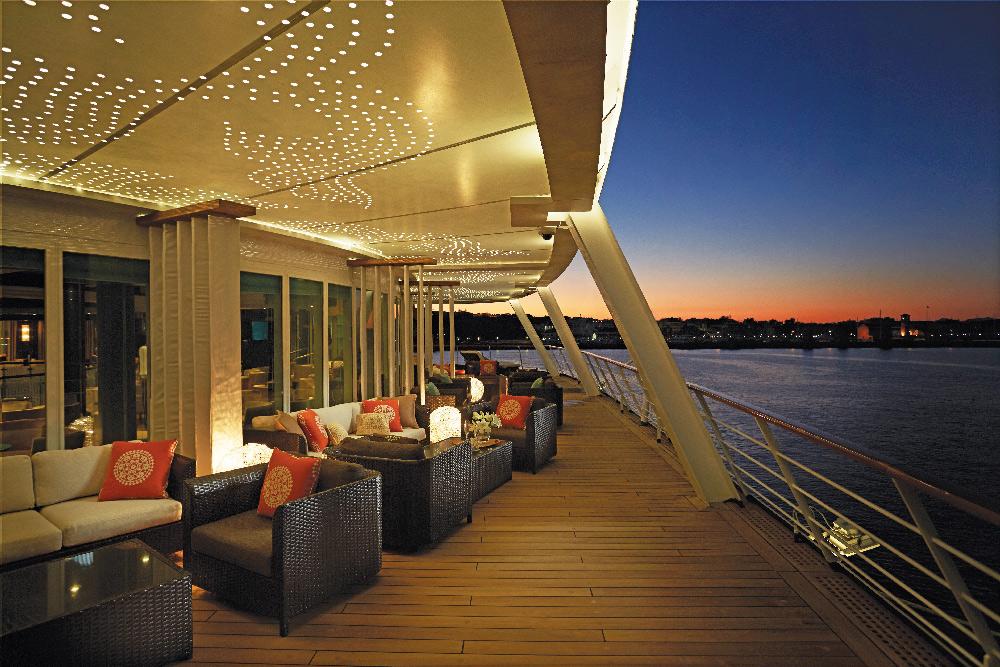 Regent Cruise ships - Voyager