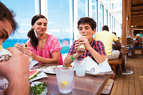 best places to eat on a Carnival cruise